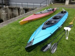 2 Faltboote aus unterschiedlichen Zeiten
